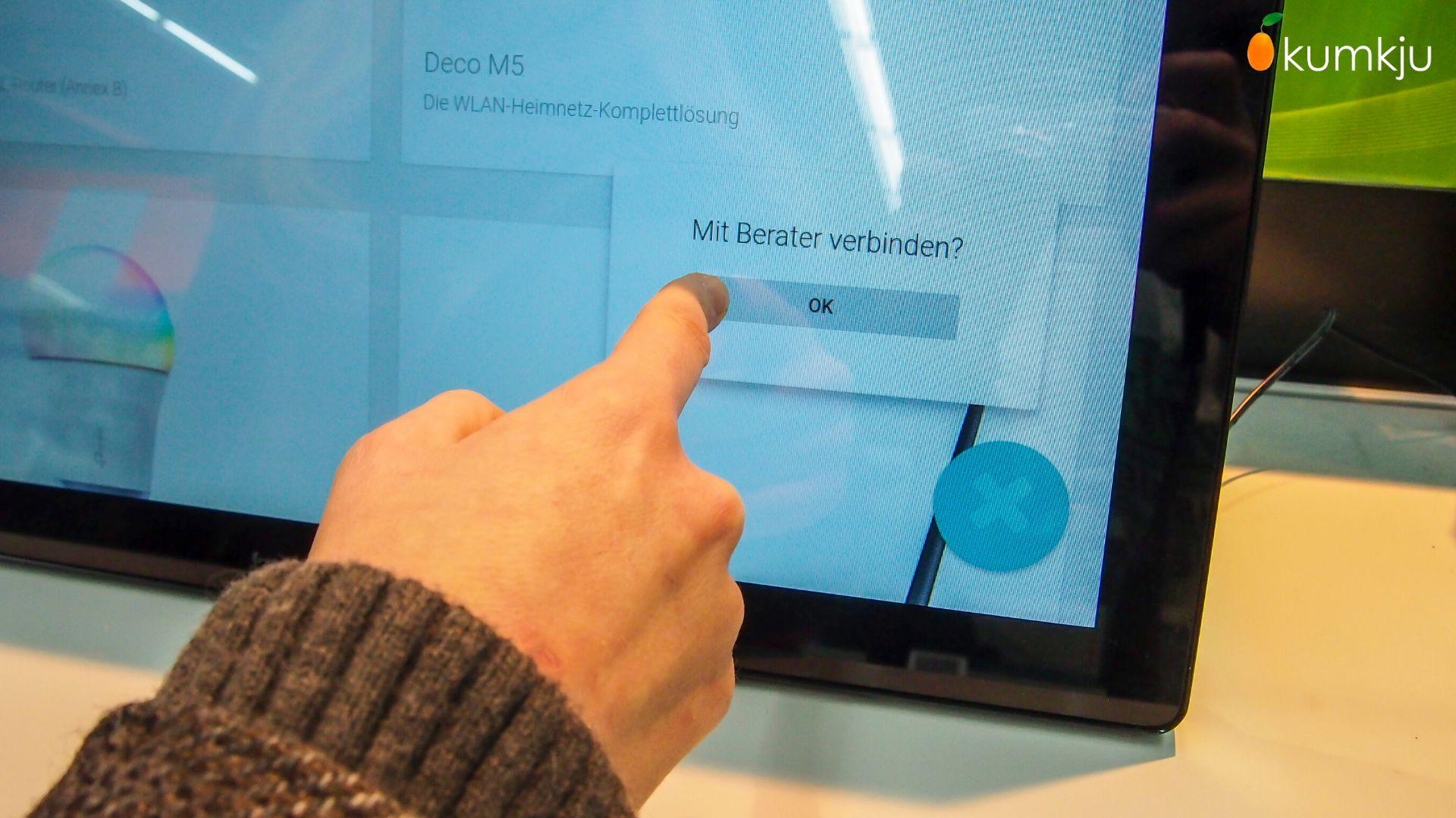 digital signage display mit persönlicher kundenberatung